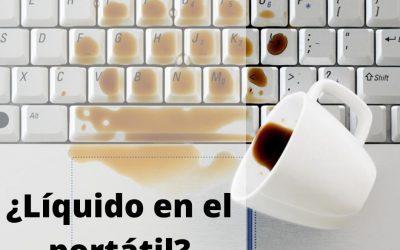 ¿Qué hago si le cae líquido a mi portátil?